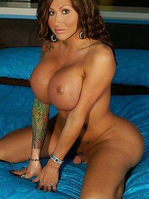 Big Tit Tranny
